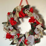 Dixie DIY Chirstmas: Fabric Scrap Wreath