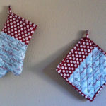 One Yard Wonders Oven Mitt and Hot Pad