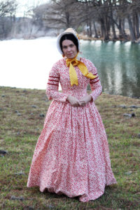 Historical Costuming: 1840s day dress and bonnet